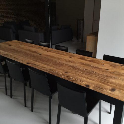 lange tafel oud hout thresing floor stalen frame gepoedercoat zwart(5)